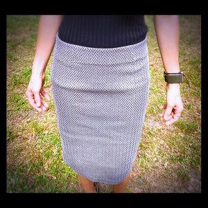 Cato Simple professional herringbone pencil skirt.